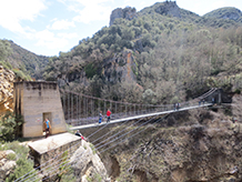El puente colgante del barranco de Sant Jaume.