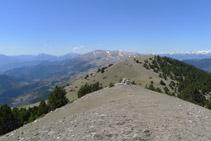 Comenzamos nuestro descenso por la cresta.