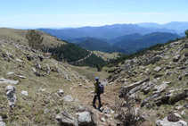 Tramo con rocas grandes antes de llegar a las Fontetes de Meians.