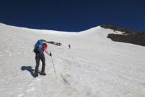 Avanzando en dirección al extremo más occidental del collado de Pavots.