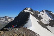 Descenso del pico Pavots al collado de Pavots.