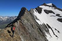 Inicio de la cresta de Espadas; al fondo el pico Espadas.