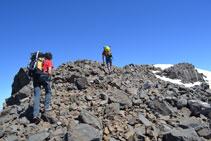 Acceso al pico Espadas (3.332m).