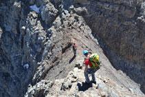 Justo en el punto más bajo de la cresta, está el tramo conocido como <i>paso del Funambulista</i>.