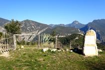 Extensas vistas de la Alta Garrotxa desde Santa Bàrbara.