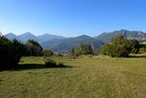 Extensas vistas de la Alta Garrotxa desde el mirador de Palomeres.