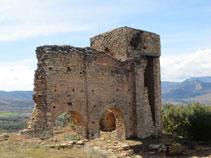 Ruinas de una torre del castillo.