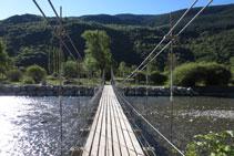 Cruzamos el puente.