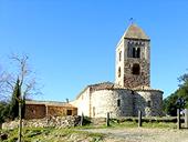 Iglesia y dólmenes de Fitor desde Fonteta