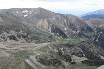 Pico de la Dona y estación de esquí de Vallter 2000.