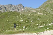 Camino del lago de las Abelletes al collado de los Isards.