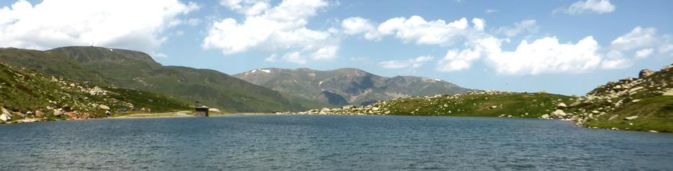 Lago de las Abelletes y picos de Envalira (2.823m y 2.818m)