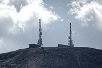 Las dos torres de telecomunicaciones de la Torreta de l´Orri.
