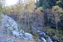Vamos remontando el valle del río de Perafita.