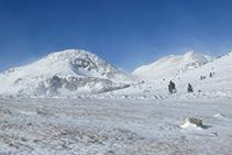 Tossal Bovinar (2.842m) y pico de Coma Extremera (2.809m).
