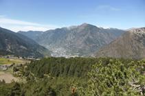 Solà de Enclar y pico de Carroi, sobre Andorra la Vella.