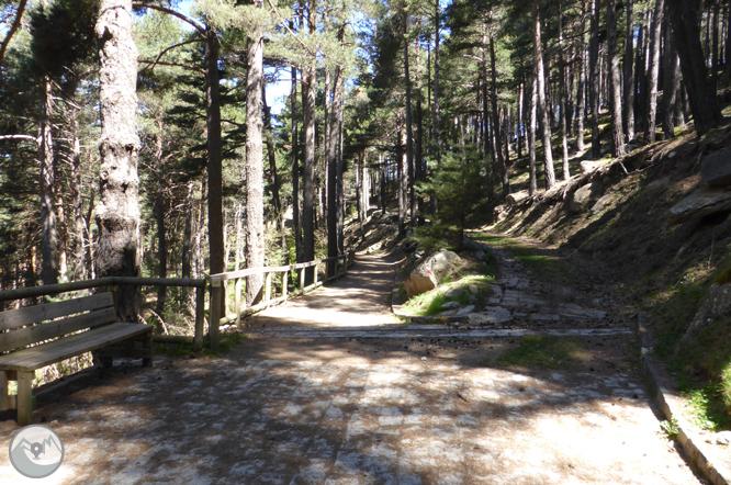 Lago de Engolasters y camino de las Pardines 1
