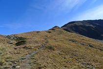 Alcanzamos la cresta del Roc del Rellotge.