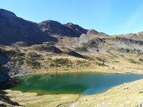 Lago y pico del Estany� (2.915m)
