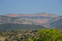 Vistas a Basturs y a la montaña de Sant Corneli.