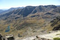 El circo de Siscar, el pico de la Cabaneta y el Roc Meler desde el pico de Escobes.