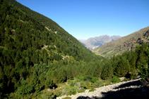 Mirada atrás hacia la Ribera de Sant Martí (vertiente umbría y solana).