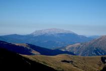 El macizo del Turbón se alza majestuosamente en la Ribagorza aragonesa.