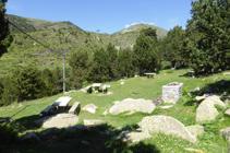 Zona de pícnic en el punto de inicio.