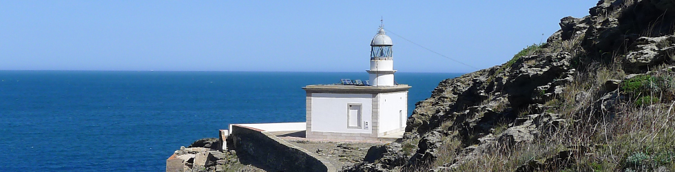 Faro de Cala Nans desde Cadaqués