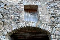 Arco de piedras en el vecindario de la Roca.