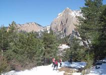 En esta parte del recorrido destaca en todo momento las vistas de la Roca Gran de Ferrús y el collado del Estret.