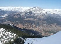 Primera vez en toda la ruta que vemos el valle de Gósol con el Pedraforca y la sierra del Cadí.