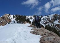 Abandonamos ligeramente la cresta y subimos la Roca Blanca por unas pendientes en su cara sur.