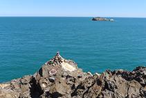 Punto de inicio del GR 11 en la punta del Cabo de Creus.