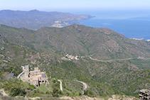Monasterio de Sant Pere de Rodes desde el castillo de Verdera.
