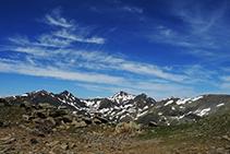 El pico de la Cabaneta, la collada de Meners y el pico de la Serrera.