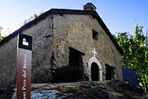 Iglesia de Sant Pere del Serrat.