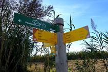 Poste indicativo entrando en Cabanes.