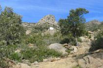 La ermita de Sant Onofre, nuestro objetivo, al fondo.