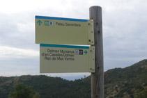 Dejamos un momento el camino principal para visitar el dolmen de la Muntanya d´en Caselles.