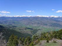 De izquierda a derecha: el pico Monturull (2.760m), la Tossa Plana (2.904m) y la Carabassa (2.713m).