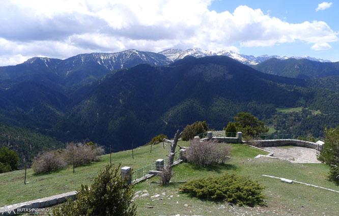 Itinerario adaptado al mirador del cap del ras rutas for Mirador del pirineo