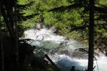 El río Escrita recorre todo el valle, desde Sant Maurici hasta desembocar en la Noguera Pallaresa.
