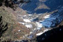 La Vallferrera y el pueblo de Alins desde el mirador de las Fargues.