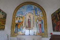 Interior de la capilla del Roser.