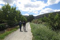 Empezamos a caminar tranquilamente hacia la Foz.