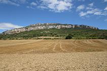 Vistas de los acantilados de la Piedra y de San Adrián, en la sierra de Leire.