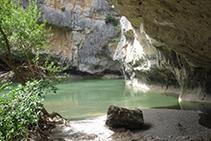 El río avanza por el interior de la Foz.
