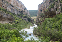En el tramo central la Foz y el río se ensanchan.