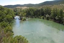 Vistas del río Irati hacia el S, una vez éste ya ha superado toda la Foz de Lumbier.